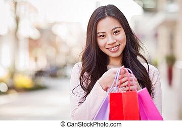 Asiatinnen einkaufen