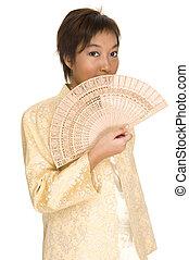 asiatisches Modell mit Fan 1