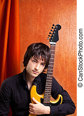 Britischer Indie-Pop-Rock sieht aus wie ein junger Musiker