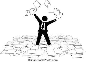 Der Geschäftsmann wirft Papierarbeitsseiten in die Luft