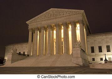 Der Oberste Gerichtshof der USA in der Nacht
