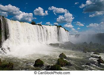 Die Leguazu Wasserfälle. Argentinien, Brasilien, Südamerika