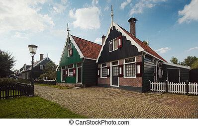 Dutch House.