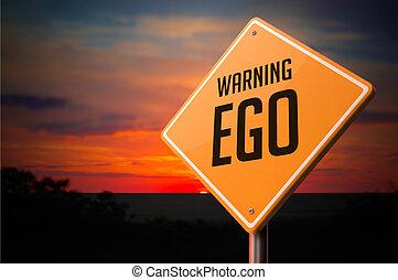 EGO auf Warnschild.