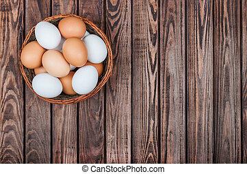 Eier im Korb.