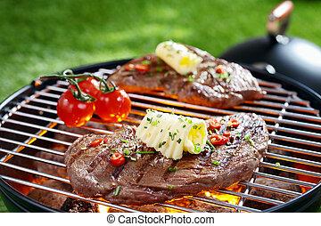 Ein Steak auf einem Grill