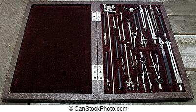 Fall von Zeichnungsinstrumenten.