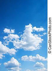 Farbiger heller blauer Himmel Hintergrund