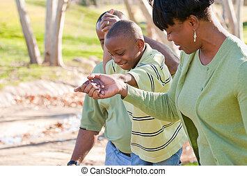 Fröhlichen afroamerikanischen Mann, Frau und Kind