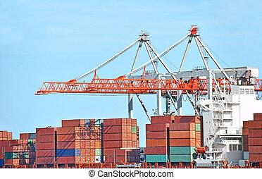 Frachtkran und Container