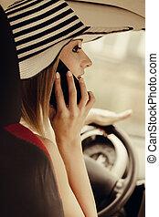 frau, sie, fahren, sprechende , auto, mobilfunk, während