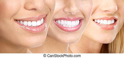Frauenzähne