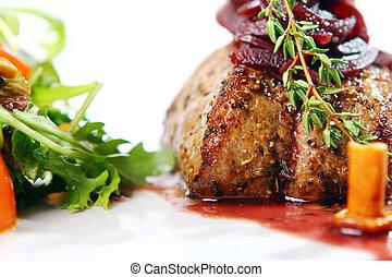 Frisches, schmackhaftes Fleisch mit Feinschmecker.