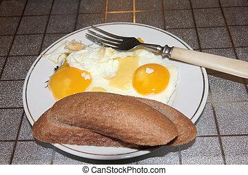 Gebratene Eier.