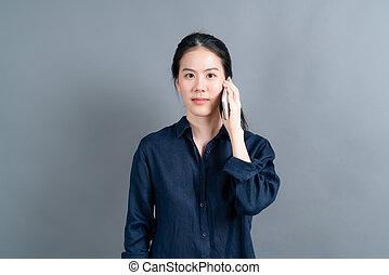 gebrauchend, geschaeftswelt, asiatisch, beweglich, sprechende , frau, telefon
