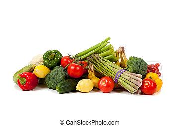 Gemischte Früchte und Gemüse auf weißem Hintergrund