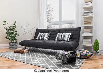 Geräumiges Wohnzimmer mit modernem Dekor.