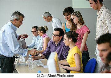 Geschäftsleute in einer Ausbildung