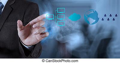 Geschäftsmann zeigt moderne Technologie.