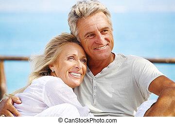 Glückliches reifes Paar