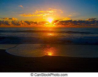 Glühender Sonnenaufgang