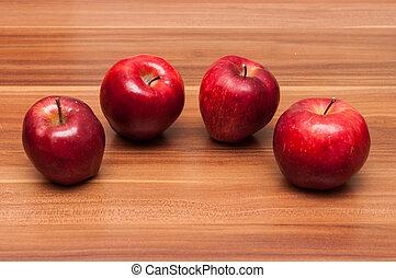 Goldene, köstliche Äpfel.