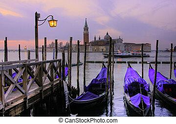 Grand Canal Venice bei Dämmerung.
