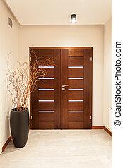 Grand Design - Tür.