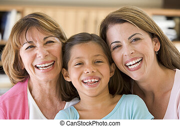 Großmutter mit erwachsener Tochter und Enkelin