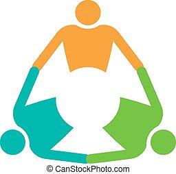 Gruppe von 3 Personen, die im Kreis halten.