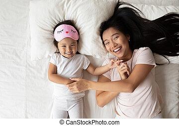 hübsch, spaß, asiatisch, mama, kind, haben, lächeln, morning.