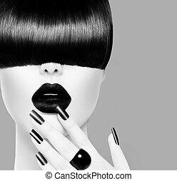 Hochmodisches, schwarzes und weißes Mädchenporträt.