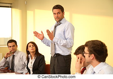 Informelles Geschäftstreffen - Chefrede
