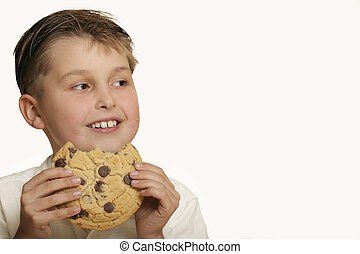 Junge mit Keks