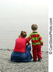 Junge mit Mum