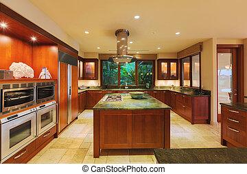 Küche in Luxushaus.