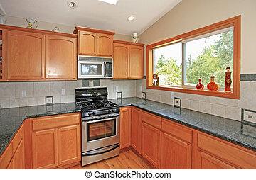 Küche mit Kirschschrank