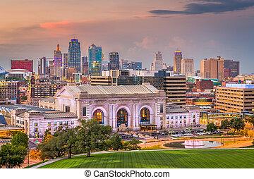 Kansas City, Missouri, USA City Skyline mit Gewerkschaftsstation.