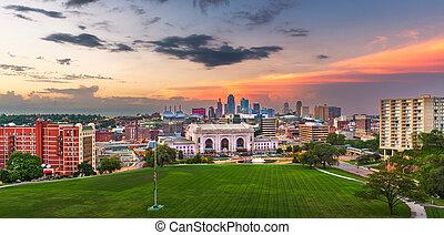 Kansas City, Missouri, USA Skyline.