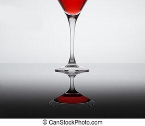 Klassischer zeitgenössischer Cocktail.