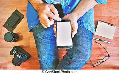 klug, berühren, geschäftsmann, beweglich, gebrauchend, schirm, telefon., hand