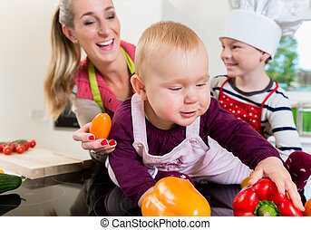 kochen, zwei, zusammen, mama, kinder, kueche