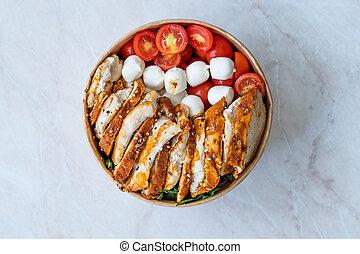 kugeln, huhn, italienische salatsoße, mozzarella, spinat, soße, pesto, /, fusilli, vinaigrette, plastik, kasten, soße, nudelgerichte, paket, lebensmittel, wegnehmen, kirschen, gurke, tomaten, schüssel, container.