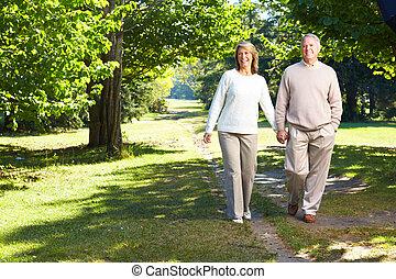 Lderly Seniorenpaar