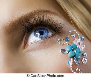 Make-up. Kreative Augenschminke