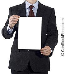 Mann im Anzug mit leerem Blatt Papier