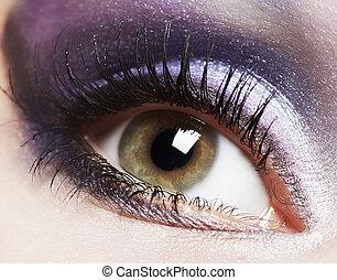 Mode-Frau-Augen-Makeup.