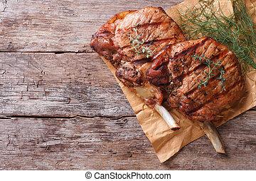 nahaufnahme, altes , ansicht, kraeuter, tisch, schweinefleisch, gegrillt, oberseite