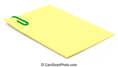 Notizblock mit Papierklammer.