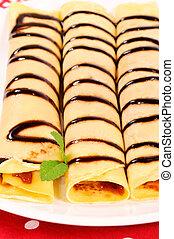 Pfannkuchen auf dem Teller